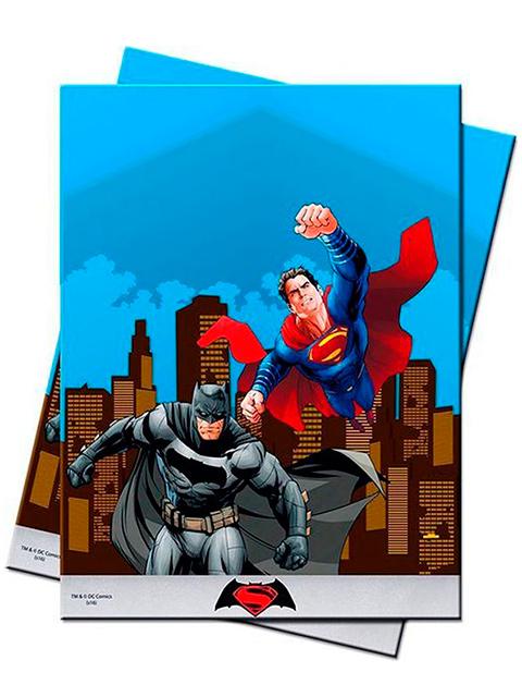 """Скатерть полиэтиленовая """"Бэтмен против Супермена"""" 120x180см"""