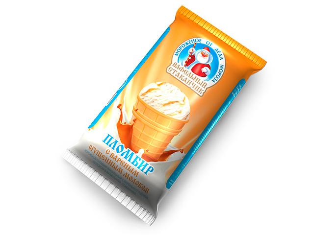 Мороженое от Деда Мороза, в вафельном стаканчике, пломбир ванильный с вареной сгущенкой, 70г, БЗМЖ